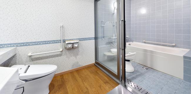 パールシティ札幌の客室バリアフリールームのバス・トイレ